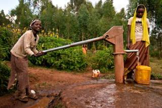 Sauberes Trinkwasser für Doyo Bikilla
