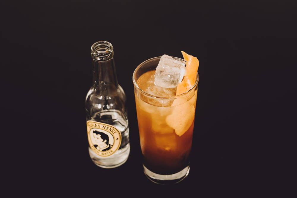 Erfrischender Cocktail mit Kaffee