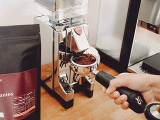 Yirga Santos Espresso mahlen mit der Eureka Mignon Mühle