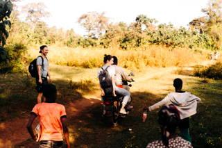 Anna auf dem Motorrad