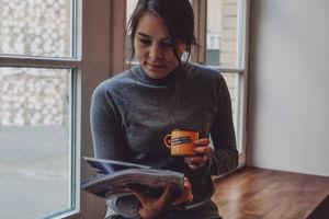 Business Punk lesen und unseren Kaffee genießen