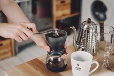 Elektrische- und Hand-Kaffeemühlen