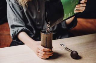 Limu Filterkaffee Bohnen frisch gemahlen in der Comandante