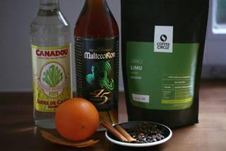 Rezeptidee für einen leckeren weihnachtlichen Kaffeelikör
