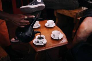 Ausschank des Kaffees