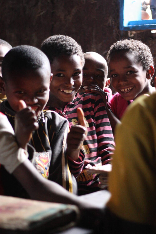 Wir treffen Schulkinder in Äthiopien