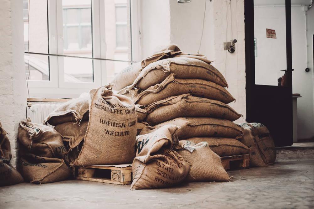 Kaffeesäcke aus Äthiopien und Kolumbien