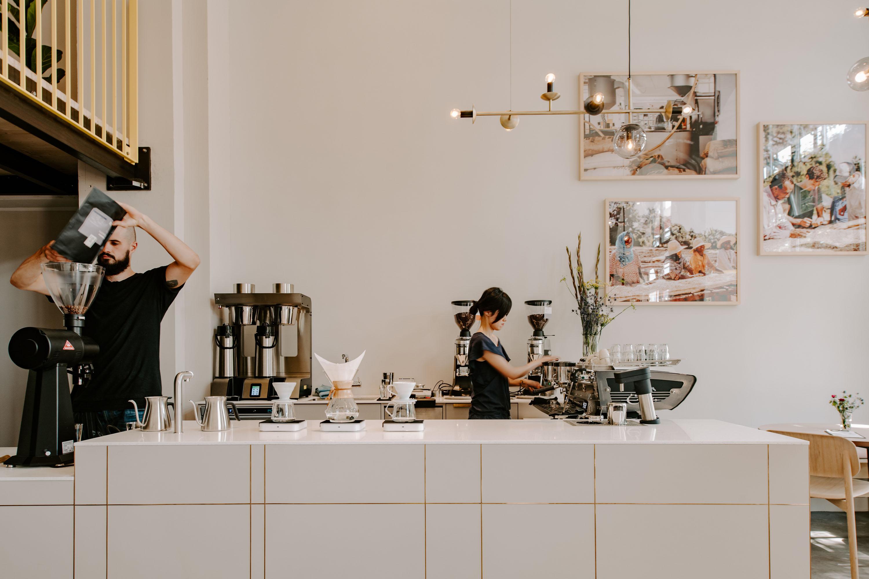 Blick auf die Espresso Bar des Coffee Circle Cafe