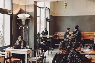 Stimmung im Café 9