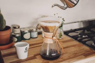 Filterkaffee mit der Chemex Karaffe zubereiten