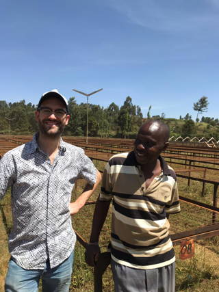 Hannes with a worker from the Rungeto Cooperative