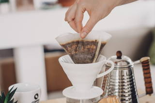 Et voilà, viel Vergnügen mit deinem Filterkaffee!