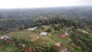 Blick auf die Farm in Thiririka