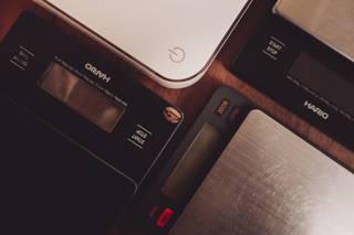 Die Kaffeewaagen von Hario, Brewista und Acaia im Test