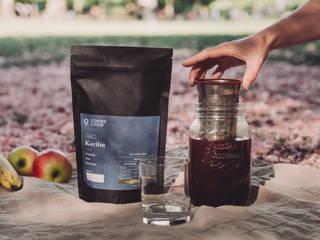Cold Brew Picknick im Sommer mit Karibu Filterkaffee und Brew Jar