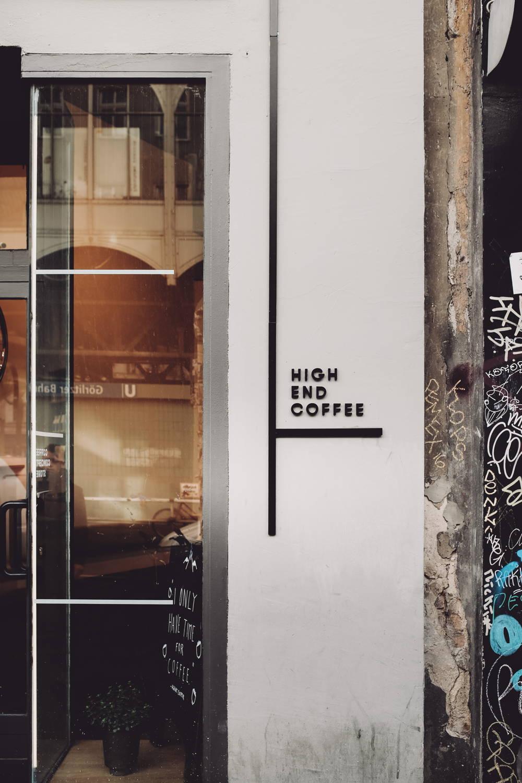 Slogan des Cafés