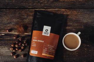 Unser Buna Dimaa Kaffee ist ein Blend aus äthiopischen und kolumbischen Bohnen, wodurch er einen vollmundigen Geschmack erhält