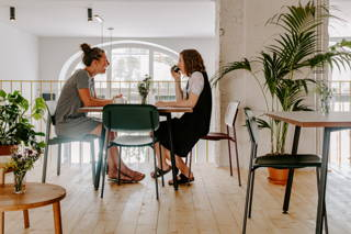 Treffen im Coffee Circle Cafe