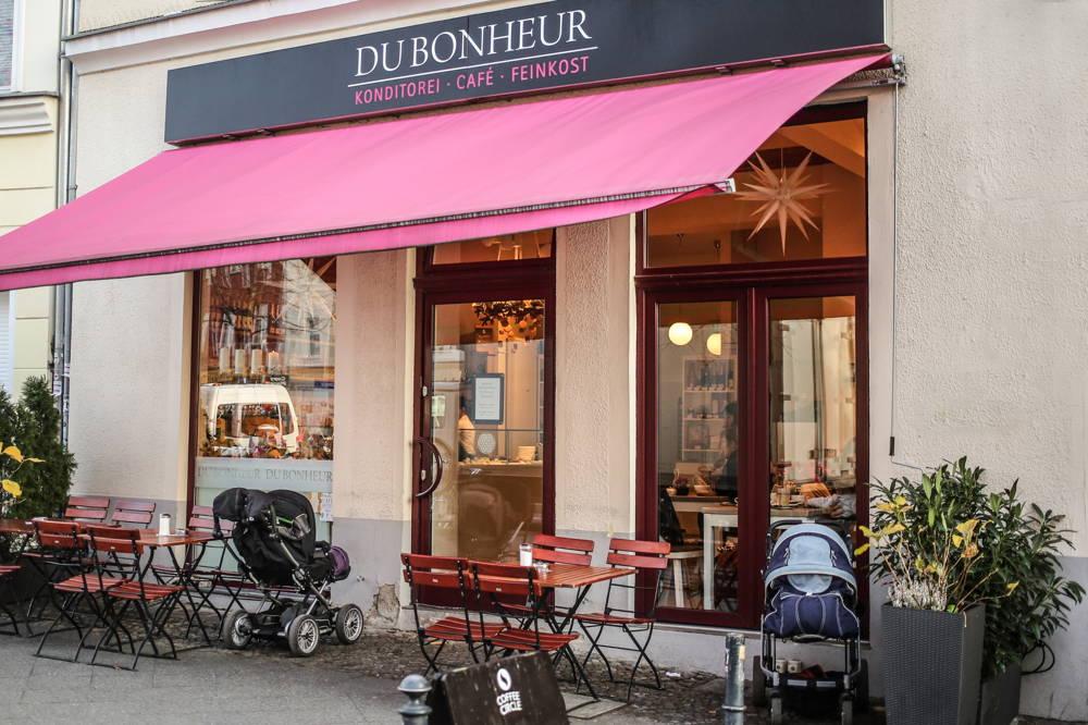Das Café du Bonheur von außen