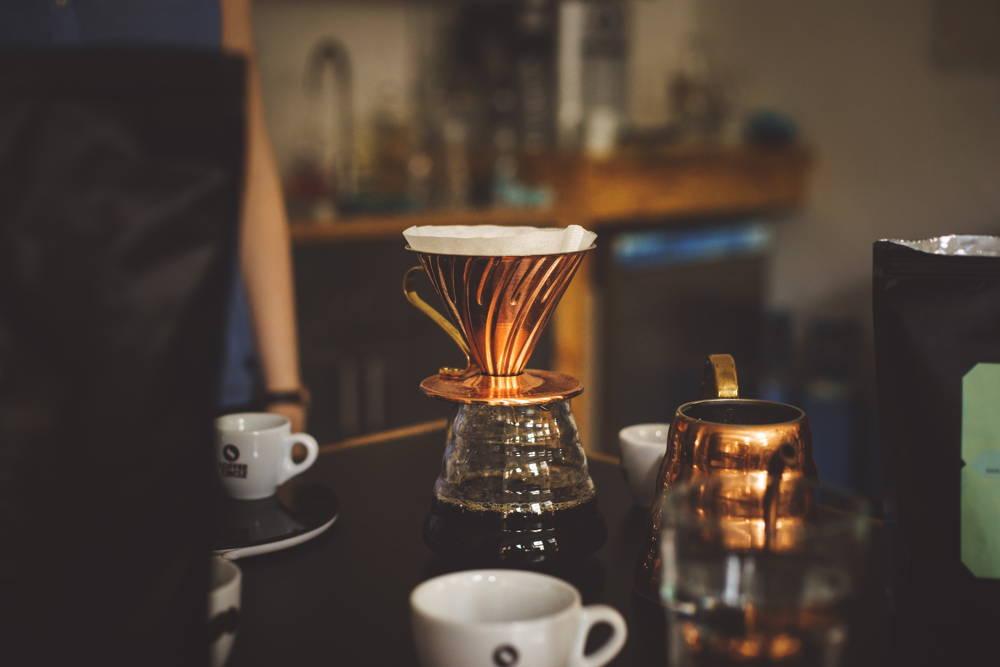 Filterkaffee mit dem v60 von Hario in Kupfer