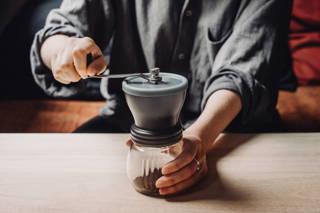 Hario Skerton Kaffeemuhle Gunstig Online Kaufen Coffee Circle