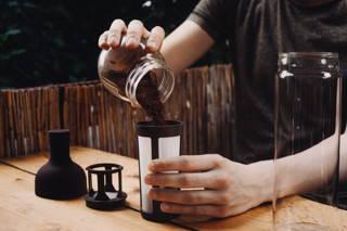 Die Cold Brew Zubereitung mit dem Hario Cold Brew Coffee Jug ist kinderleicht