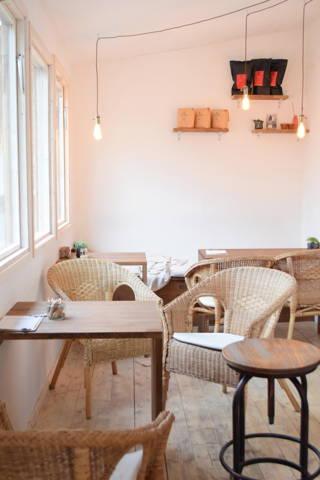 Richtig guten Kaffee gibt's im Café Haferkater in Berlin