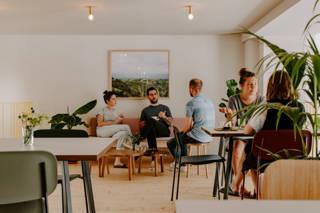 Gemütliches Zusammensitzen im Coffee Circle Cafe
