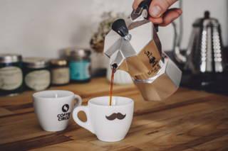 Mokka-Kaffee genießen!