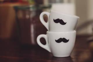 Unsere Tassen mit Schnurrbart